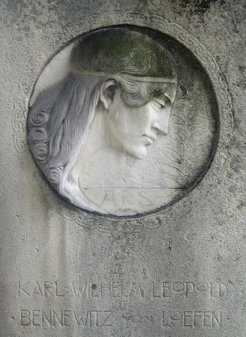 Berlin, Kreuzberg cemetery jugendstil sculptures